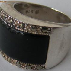 Inel vechi din argint cu onyx si marcasite - de colectie