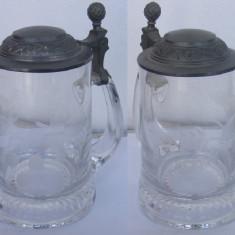 Halba din sticla frumos decorata cu capac din zinc
