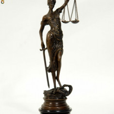JUSTITIA DIN BRONZ PE SOCLU DE MARMURA - Sculptura, Abstract