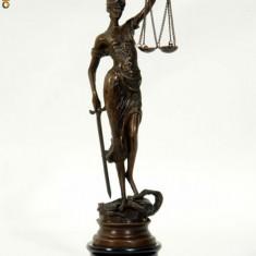 JUSTITIA DIN BRONZ PE SOCLU DE MARMURA - Sculptura, Abstract