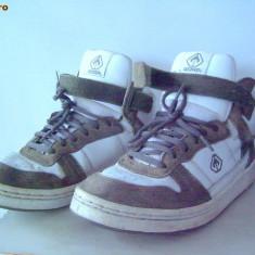 Skate shoes WARP(Scandinavian Brand), marimea 40/26 cm - Tenisi barbati, 36 2/3, Alb