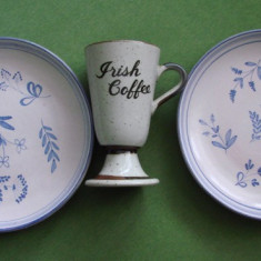 Doua farfurii si o cupa din ceramica