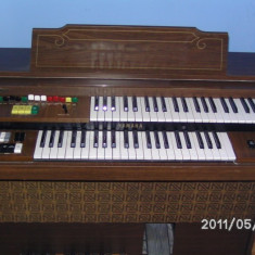 Pianina Yamaha Electone C35 (2 claviaturi)