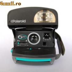 Vand / Schimb ...Poaroid Instant Camera 600 - Aparat Foto cu Film Polaroid