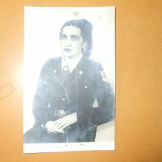 Carte postala cercetasi uniforma femeie cravata bereta