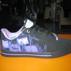 Pantofi sport dama (skate); cod FB036-2 negru/mov ; FB036-4negru/alb (36-41) - Adidasi dama Wink, Marime: 40
