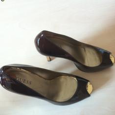 Pantofi senzationali GUESS cu platforma, noi, import SUA, marimea 7 (38), din piele, maro, cu toc auriu. - Pantof dama Guess, Coffee, Marime: 36.5