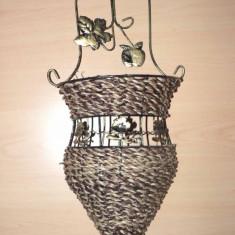 Suport pentru flori foarte decorativ - hand made - din metal - de agatat pe perete - Vaza si suport flori