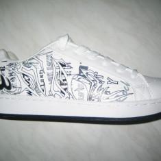 Pantofi sport barbati skate WINK; cod FF656-2 alb ; marime:41-46 - Adidasi barbati Wink, Marime: 44