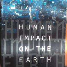 CARTE IN ENGLEZA-HUMAN IMPACT ON THE EARTH