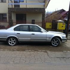 Dezmembrez BMW 525i , e34 .