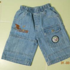 Pantalonasi de blugi