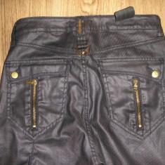 SUPER PRET ! Pantaloni /Jeans crop bleumarin cerat Sexy Woman noi 26 - Pantaloni dama, Culoare: Antracit
