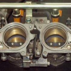 Baterie + injectoare principale motocicleta cbr 600 rr Honda 05-06 - Capac supape Moto