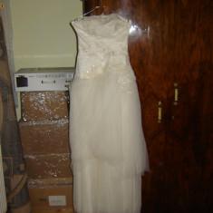Rochie de mireasa superba si noua***
