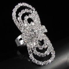 Livrare gratuita!!! Inel superb placat cu aur alb de 18k cu cristale swarovski- bijuterii handmade mireasa