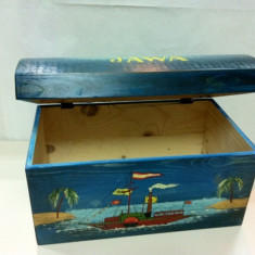 Cufar mic din lemn, pictat manual