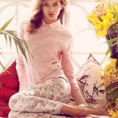 Pantaloni FLOWER PRINT STRADIVARIUS - Pantaloni dama, Lungi, Amestec