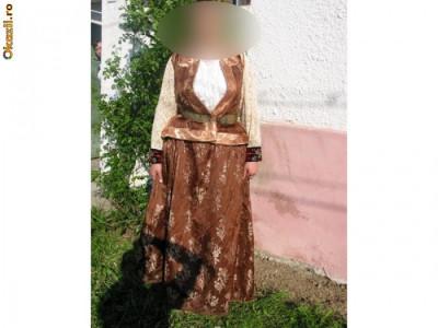 Costum popular de femeie din Schei-Brasov foto
