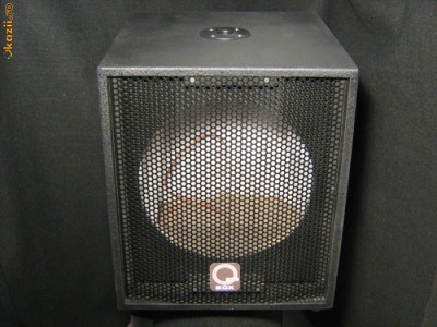 Vand 4 boxe (boxa) de bass 15 inch:2 Celestion,1 Rcf si 1 Fane cu cutiile noi foto