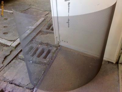 Plasa metalica perforata pentru boxe / tuning auto foto
