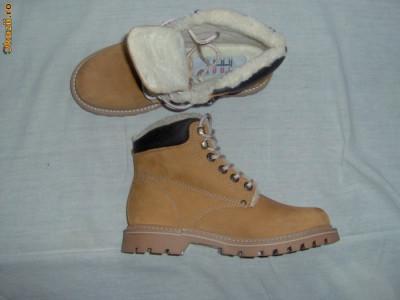 produse noi calde drăguţ drăguţ cizme,ghete,insulete,bocanci pt femei/dama,barbati,copii,imblanite ...