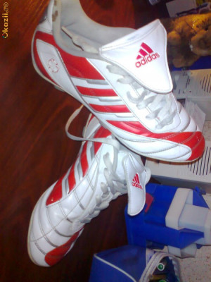 ghete adidas  fotbal foto