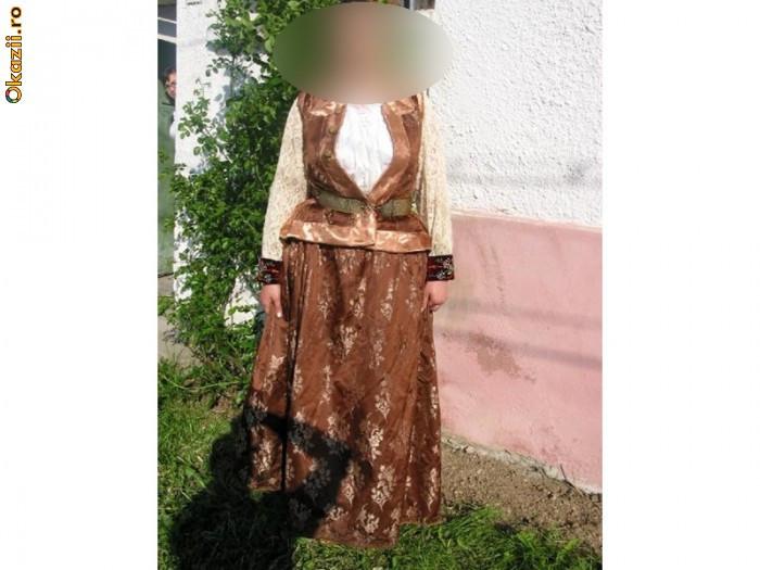Costum popular de femeie din Schei-Brasov foto mare