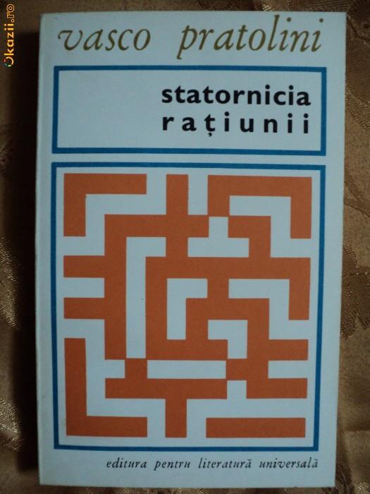 STATORNICIA RATIUNII - VASCO PRATOLINI foto mare