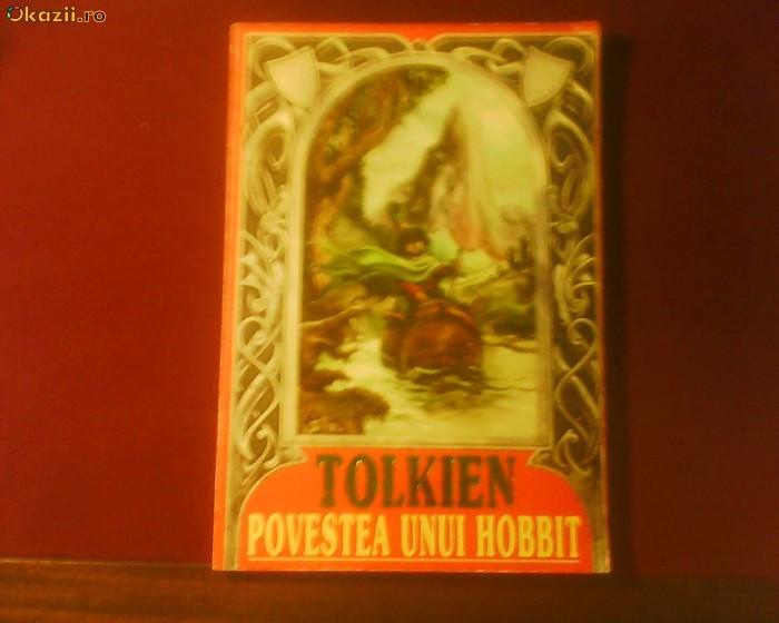 J.J. Tolkien Povestea unui Hobbit - editie de lux ilustrata