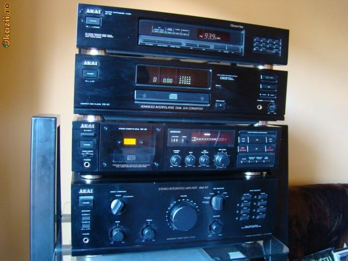 Sistem combina  audio Akai  AM - 37 ,  GX - 32 , CD - 37 , AT - 26 foto mare