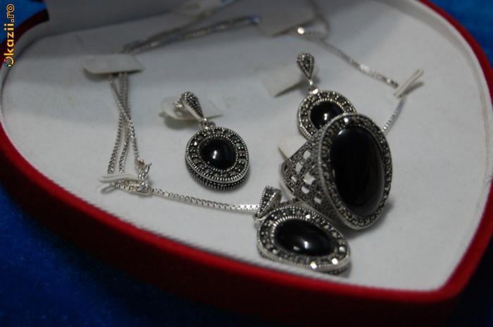 Set de argint 925 inel , cercei,lantisor, medalion /pandantiv,  cu piatra onix neagra,+cutie inima, NOU foto mare