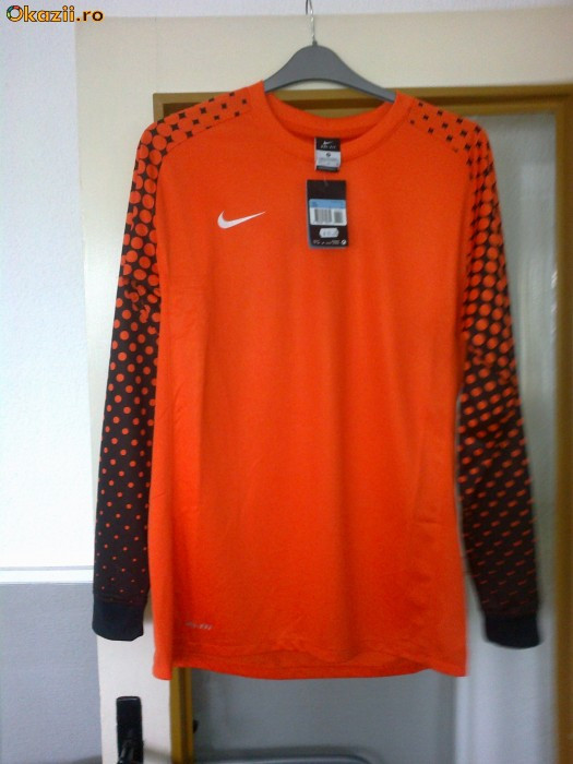 Bluza portar Nike foto mare