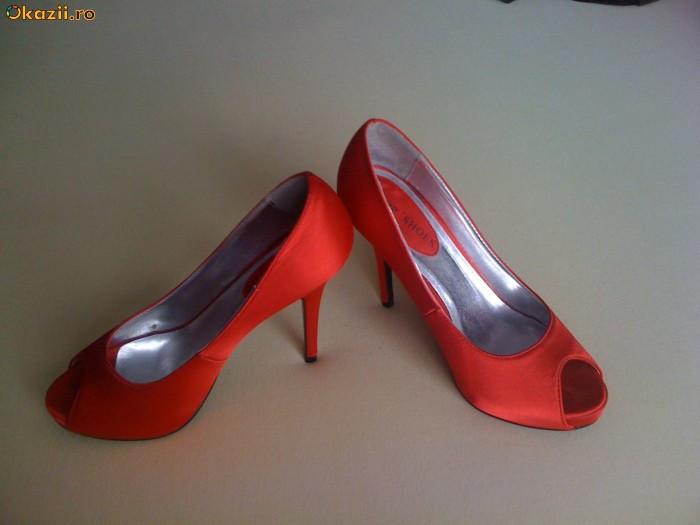 Pantofi rosii  38 , (zara,bershka) foto mare