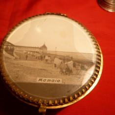 BOMBONIERA metal aurit ,cu capac MAMAIA