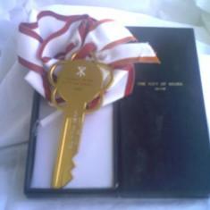 Cheia orasului OSAKA - metal aurit - Jubiliare