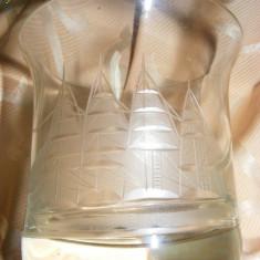 arta sticla veche,PAHAR sticla vechi DEOSEBIT  GRAVAT VAPOR VELE,T.GRATUIT