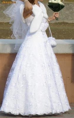 Rochie Mireasa Cu Cristale Swarovski Arhiva Okaziiro