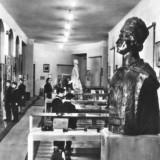 Bnk cp arad - interior din muzeul orasului - circulata 1971 - Carti Postale Romania dupa 1918