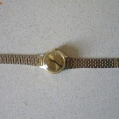 Ceas mecanic de dama vechi Ruhla cu bratara metalica