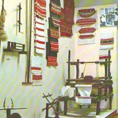 PN 108 REGHIN-Muzeul etnografic -razboi de tesut necirculata