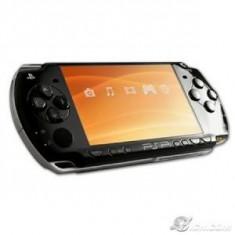PSP Sony 3004 piano black slim, camera go ! originala, casti, incarcator, cablu USB, 5 jocuri UMD originale card 8GB