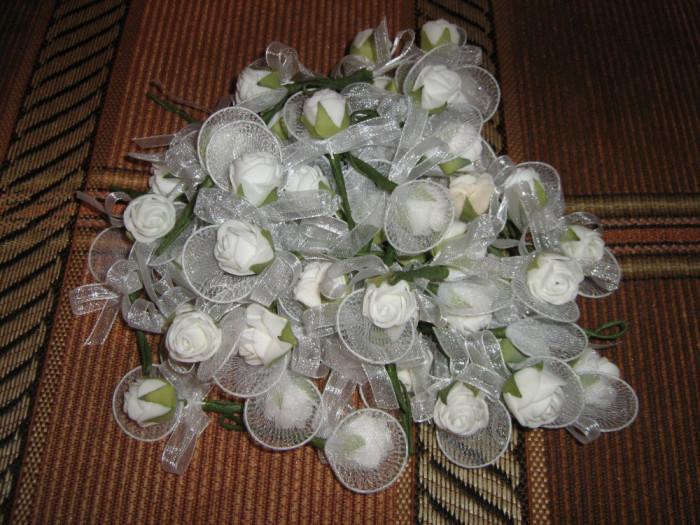 Set cocarde piept nunta/ Set cocarde invitati/ Set flori de pus in piept foto mare