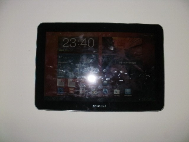 Vand tableta samsung galaxy tab P7500 10.1 black 3 G wifi de 16 GB foto mare