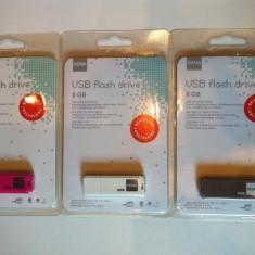 STIK USB DE 8GB marca HEMA
