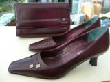 Pantofi piele marimea 39 si poseta de mana asortata, 37 1/3, Burgundy, Cu toc