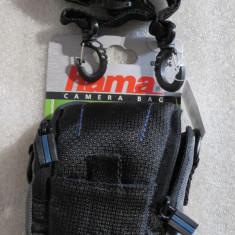 1179plu Geanta aparat foto camera bag Hama Sorento cu buzunar de accesorii si snur de umar dimensiuni interioare 60x25x95mm