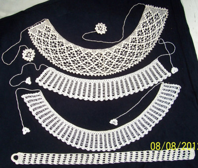 VINTAGE/Arta populara-3 gulere NOI, crosetate manual din fir bbc alb si bej deschis, anii `60,pt aplicat la bluze/rochii pt femei foto
