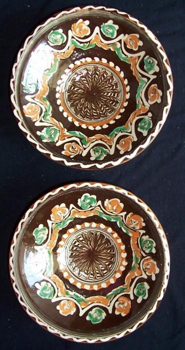 strachini identice de HOREZU, ceramica smaltuita pictata manual,