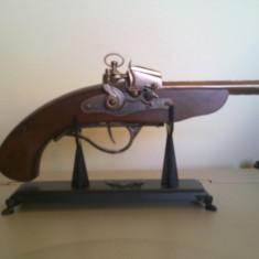 Panoplie pistolet cu doua tevi bricheta - Bricheta Zippo Alta, De masa